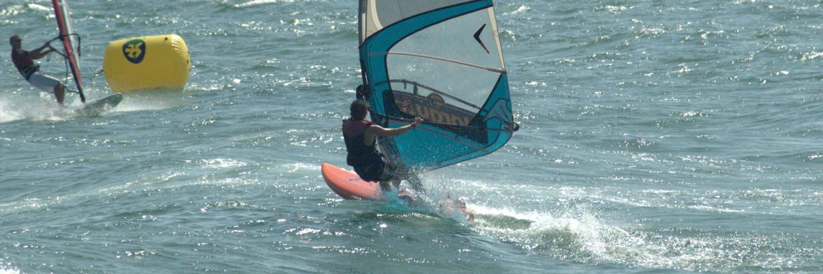 Navegando con mucho viento